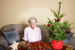 elderly-woman-at-christmas-719739